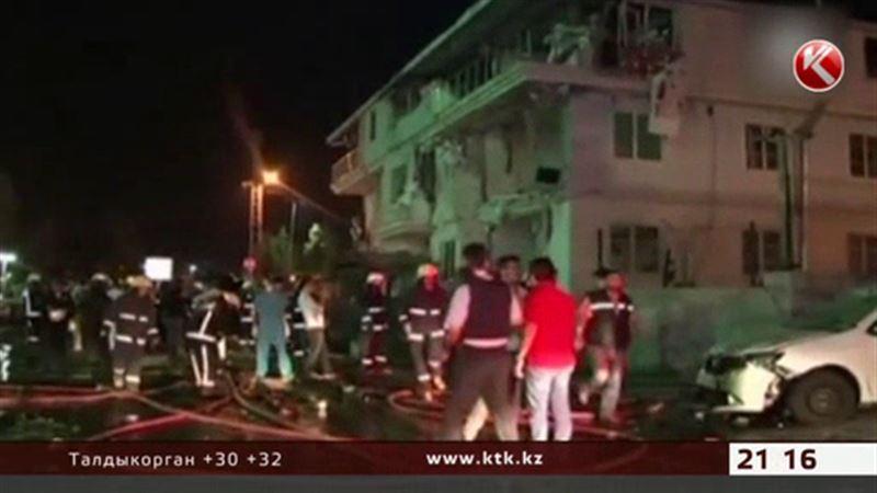 Турцию за сутки потрясли три вооруженных нападения