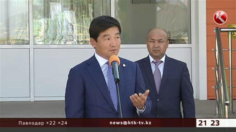 Новый аким Алматы начал с приятного – открыл школу
