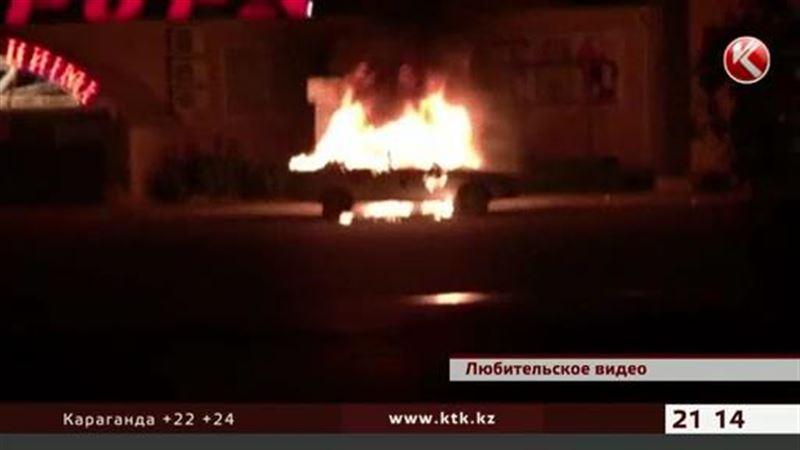 В Костанае пассажиры едва не сгорели в автомобиле