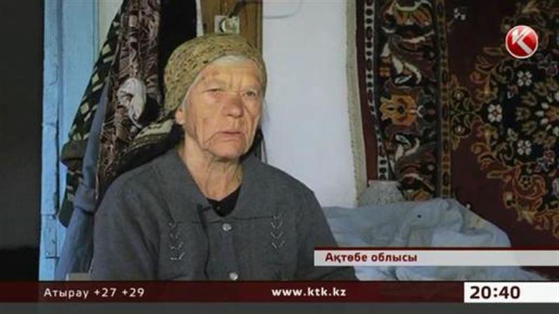 Баба Настя живет одна в заброшенном поселке и не думает переезжать