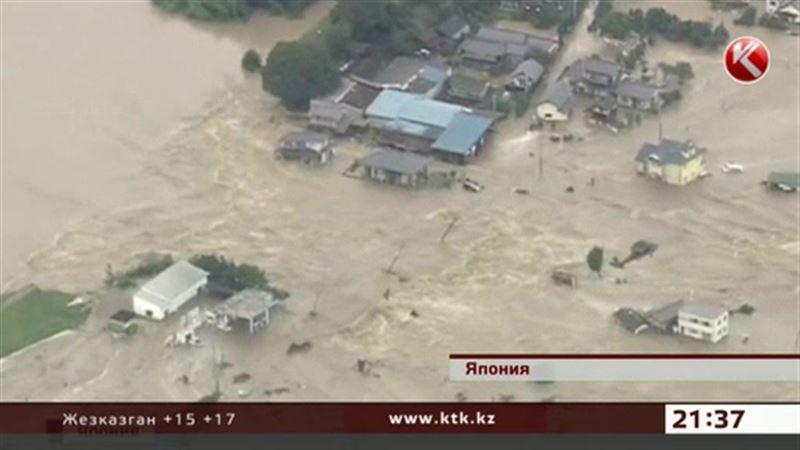 В Японии под воду уходят целые города