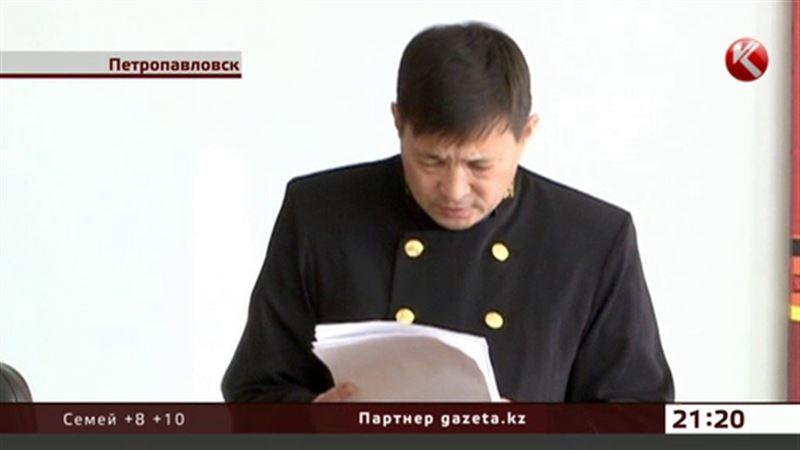 В Петропавловске лишили звания и должности главу городского военкомата