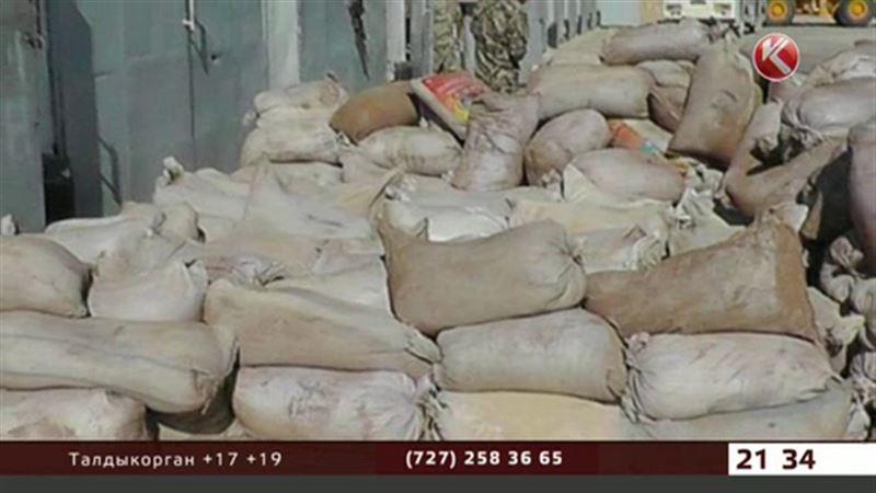 На границе с Узбекистаном поймали КамАЗ, груженный редкими рачками