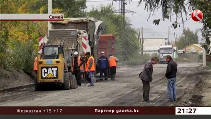 В Семее при ремонте дорог решили обойтись без ливневой канализации