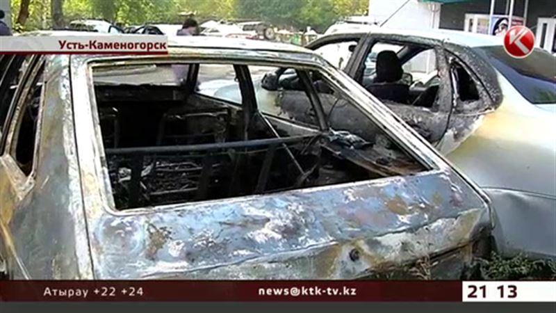 В Усть-Каменогорске за одну ночь сгорели пять машин