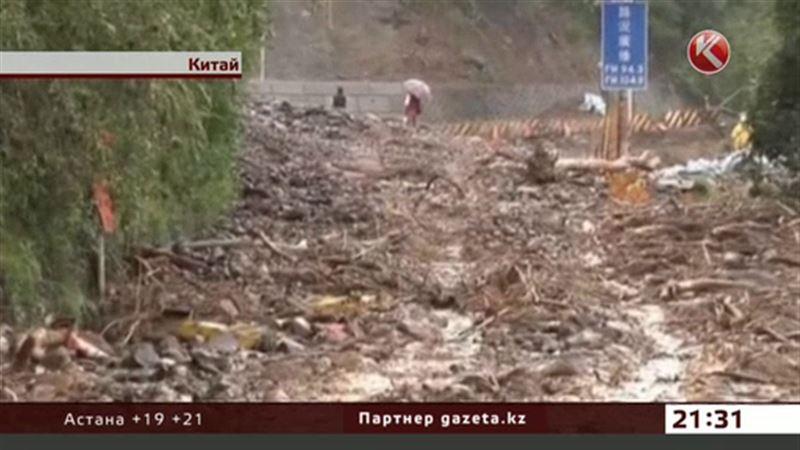 Разрушительный тайфун обрушился на Китай