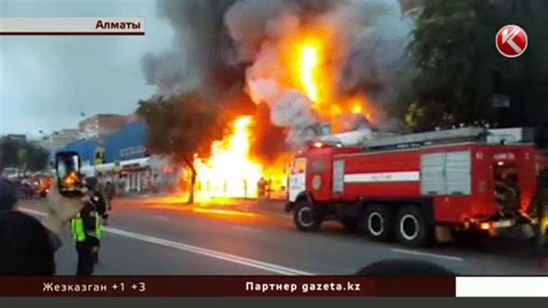 В третий раз загорелся алматинский рынок «Жулдыз»