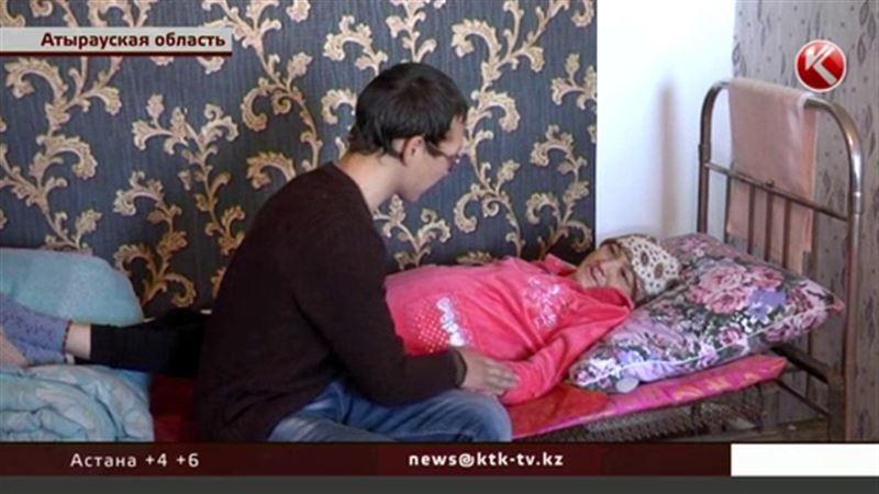 Неназвавшийся бизнесмен купил квартиру семье атырауских инвалидов