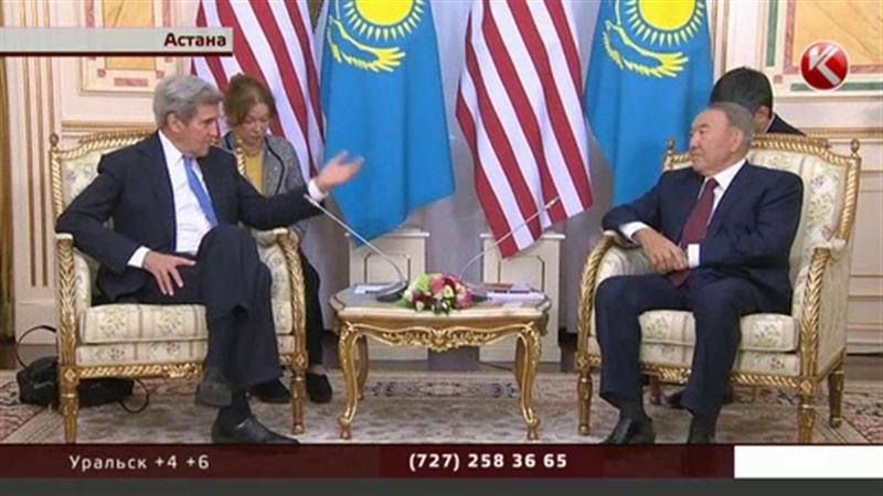 Джон Керри прибыл в Астану с первым официальный визитом