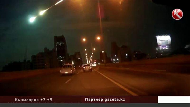 Метеорит оставил шлейф над Бангкоком