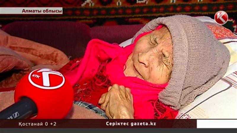 Алматы облысында қария адам шошырлық жағдайда өмір сүріп жатыр