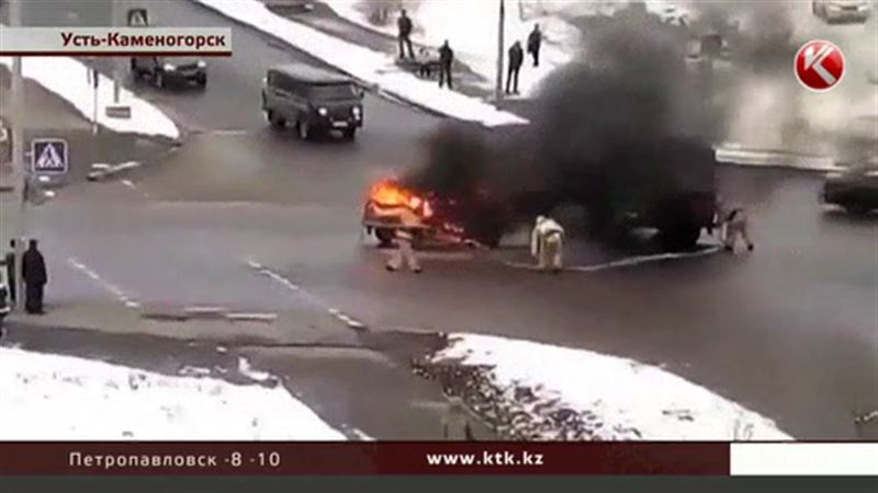 В Усть-Каменогорске на ходу загорелась «Нива»