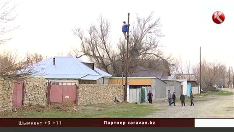 В Жамбылской области устраняют последствия урагана