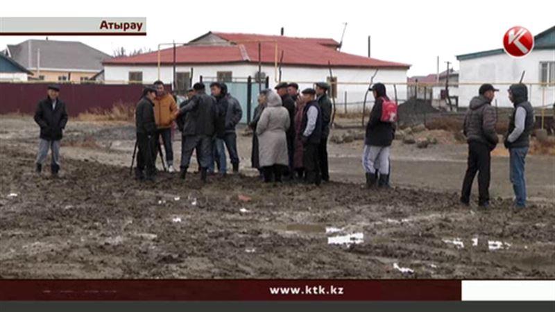 Жители атырауских новостроек негодуют из-за грязи