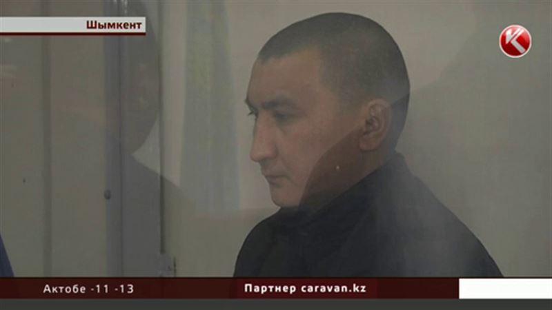 Тренера футбольной команды, который расстрелял своих коллег, осудили