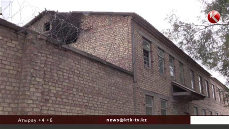 В следственном изоляторе Бишкека в петле найден бывший начальник колонии
