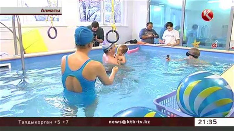 Пятимесячная малышка установила рекорд на соревнованиях по плаванию