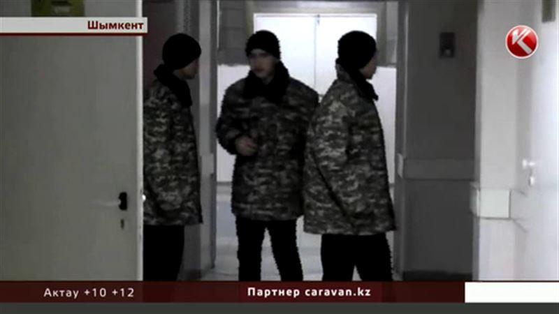 Бои без правил устроили курсанты военной школы Шымкента