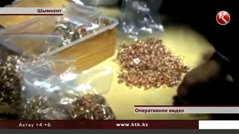 Тридцать килограммов золота нашли в багаже сотрудники аэропорта