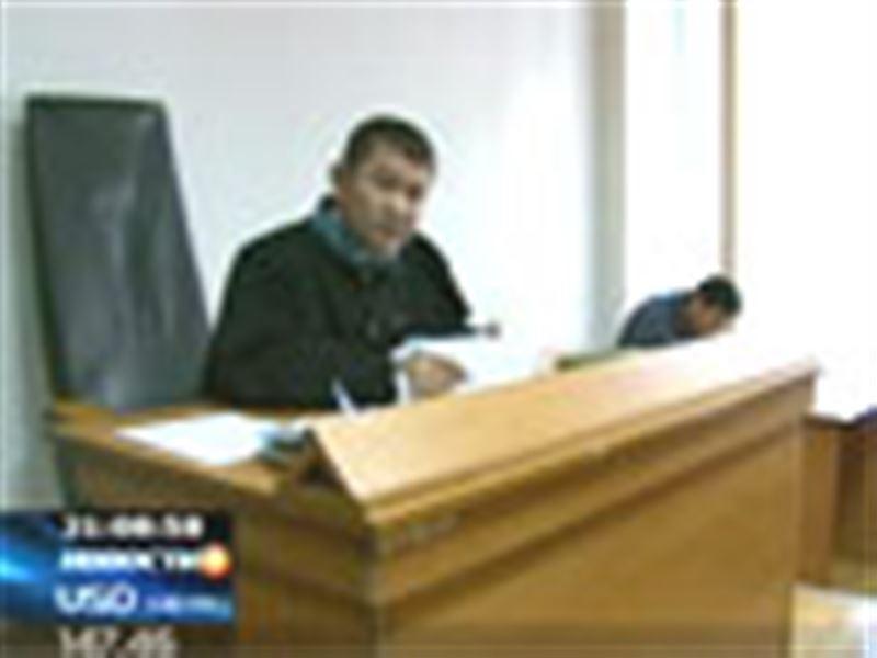 Кыргызского водителя обвиняют в оскорблении казахстанских дорожных полицейских