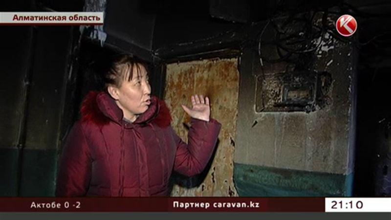 Спасаясь от огня, люди выбрасывали детей из окон и выпрыгивали сами