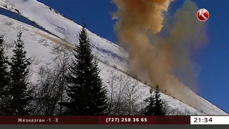 В ВКО прогремели два взрыва – там спускали лавины
