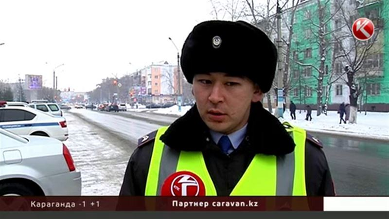 Петропавловские полицейские переводили через дорогу бабушек и прославились