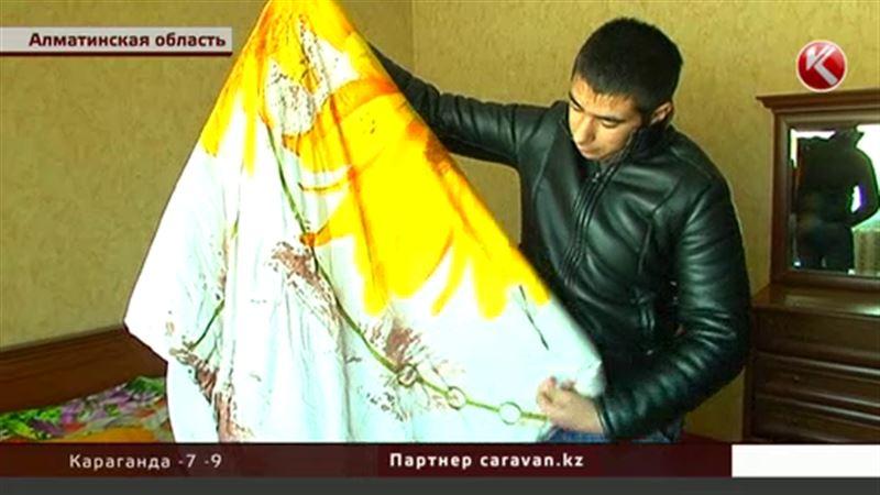 Под Алматы держат в страхе целый поселок: жестоко избивают и грабят