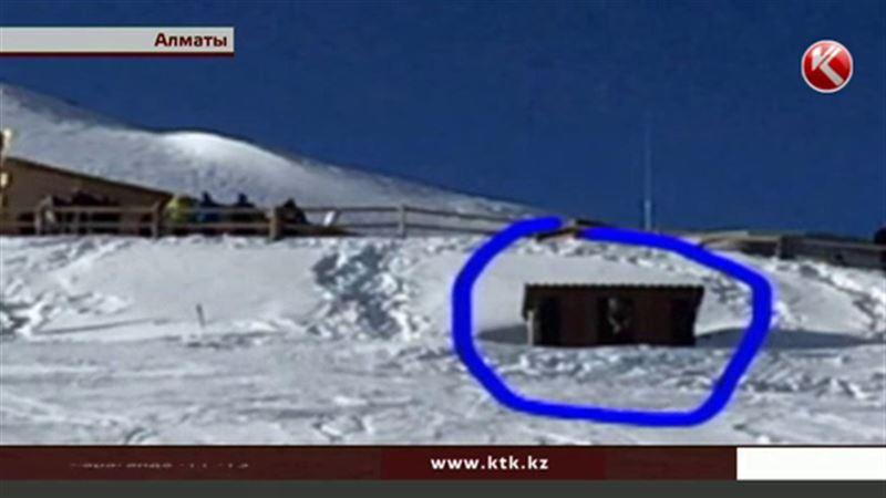 Депутата возмутил туалет на Чимбулаке