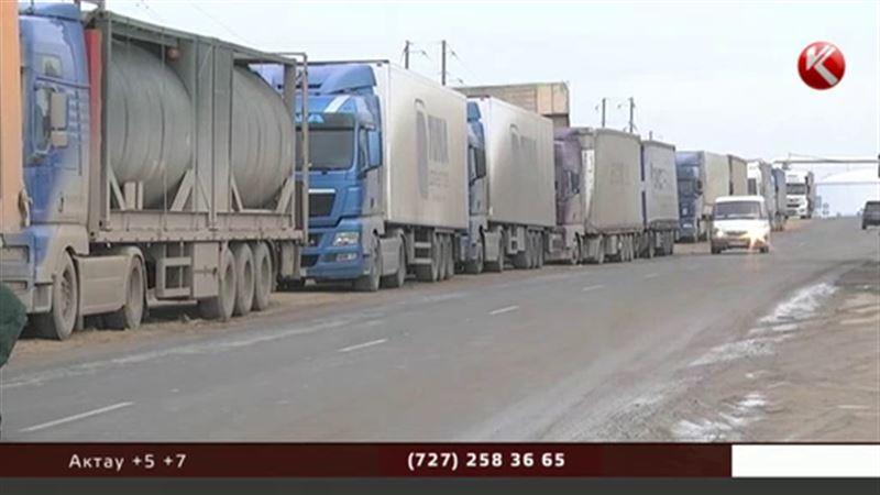 Украинские товары по пути в Казахстан возьмут под конвой