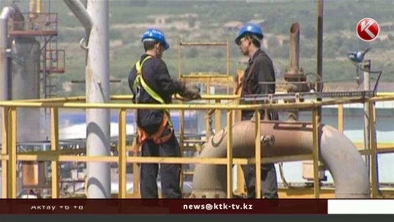 Нефтяные гиганты сокращают тысячи сотрудников