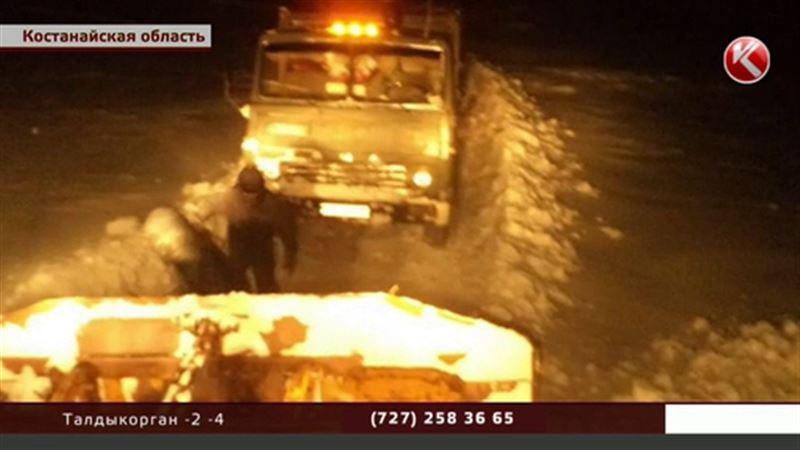 Костанайские спасатели эвакуировали 25 «КамАЗов»