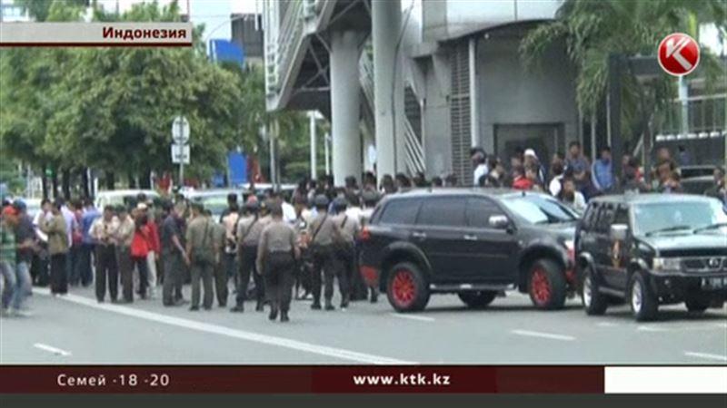 Джакарту потрясла серия терактов