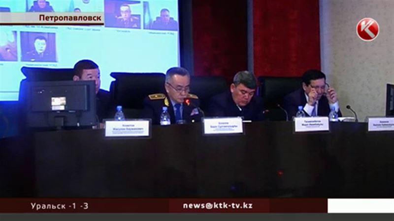 Североказахстанских полковников и подполковников публично отругали за взятки
