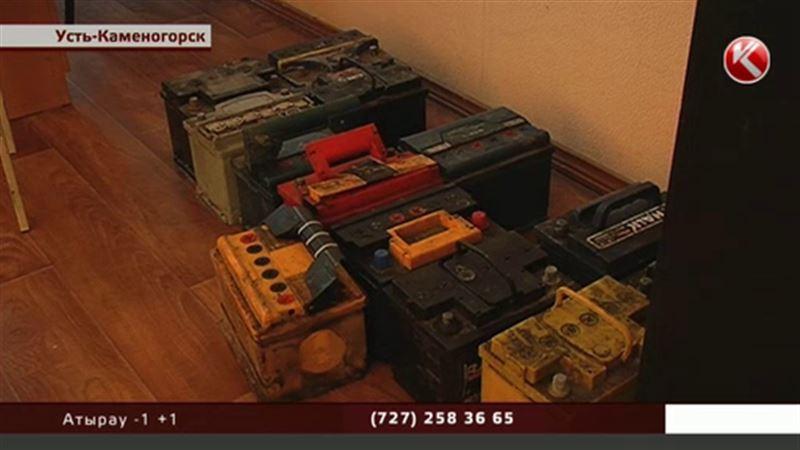 Слесарь СТО и таксист поставили рекорд, украв 35 аккумуляторов