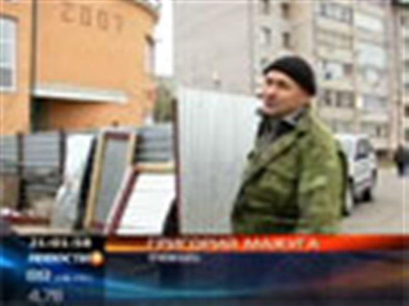 В Петропавловске двое офицеров полиции погибли, врезавшись на автомобиле в стену жилого дома