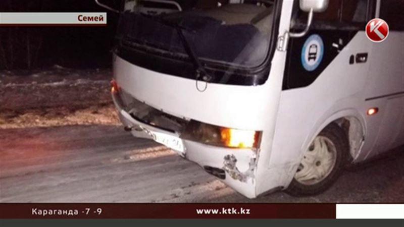 В Семее автобус задавил мужчину прямо на пешеходном переходе
