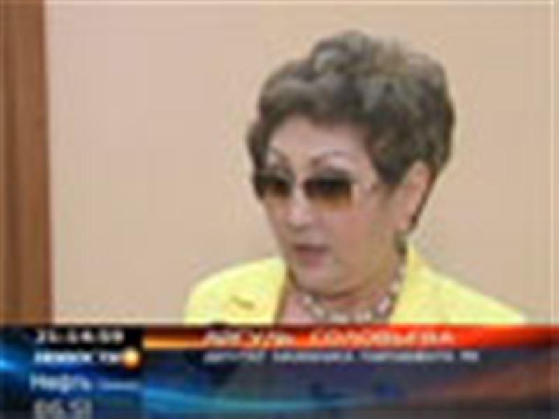 В некоторых госорганах уволили до 70% служащих. С таким заявлением выступил депутат нижней палаты казахстанского парламента