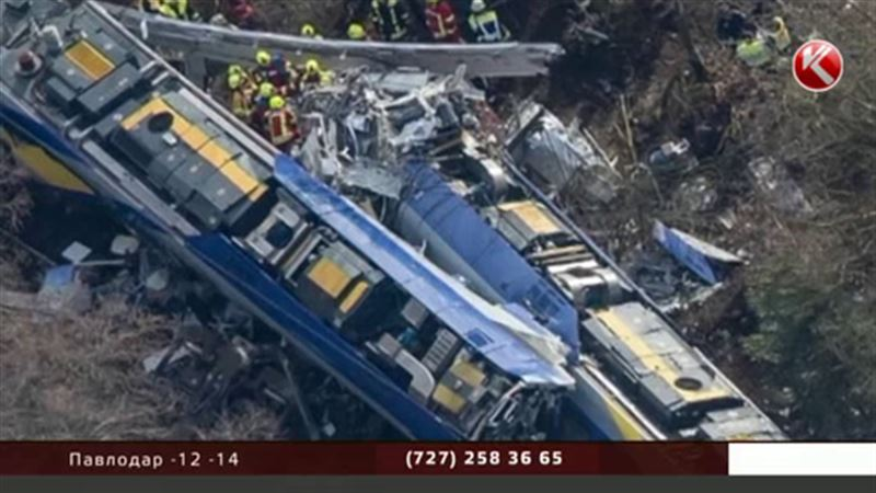 В Германии лоб в лоб столкнулись два пассажирских поезда
