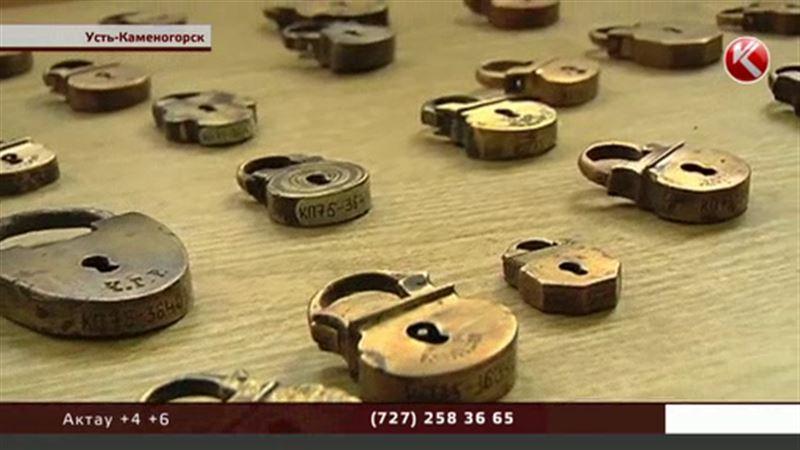 Редкая коллекция замков времен царской России передана в дар музею