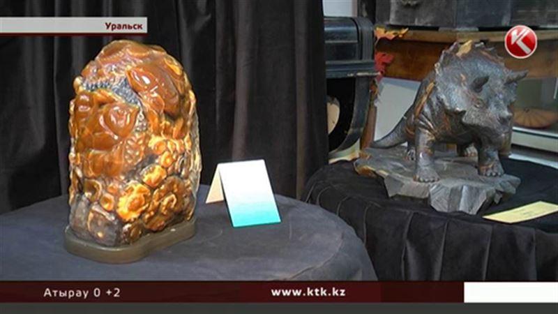 Выставка изделий из симбирцита – жители Уральска могут полюбоваться