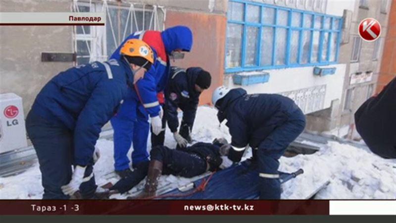 В Павлодаре молодая пара спрыгнула с десятого этажа