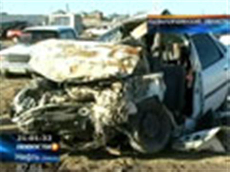 На трассе Кызылорда - Жалагаш столкнулись два легковых автомобиля