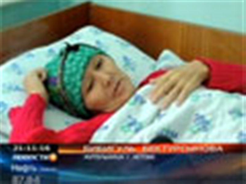 В Актобе бывшую преподавательницу профессионального лицея госпитализировали в отделение кардиологии