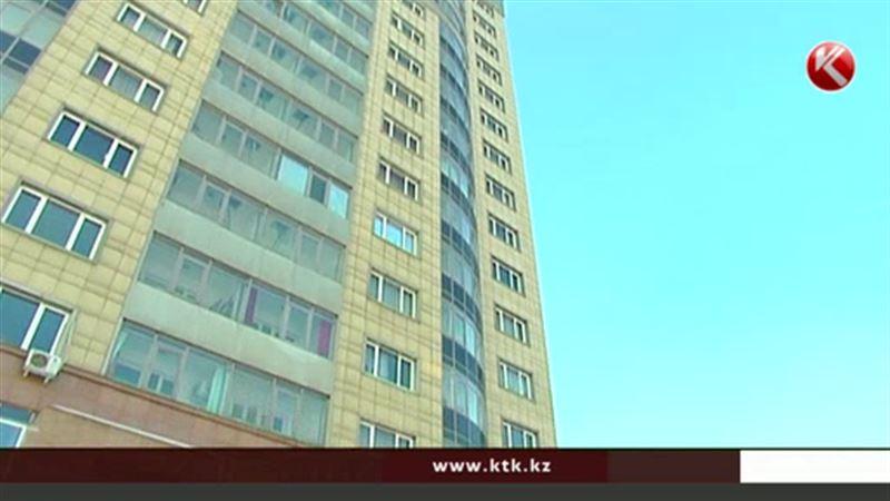 Из окна элитного дома в Алматы выбросился мужчина