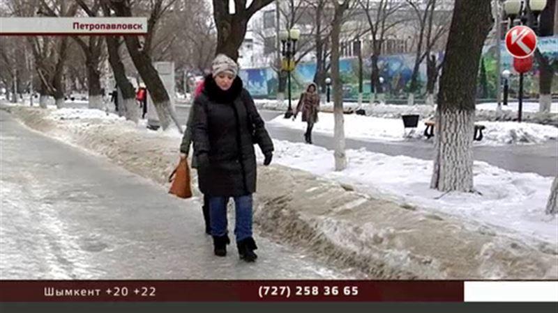 Из-за сильнейшего гололеда отменили занятия в школах Петропавловска