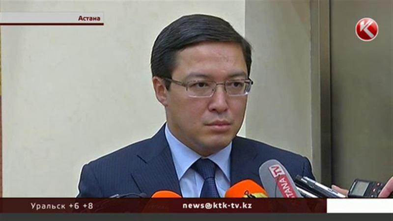 Акишев рассказал, зачем регулятор весь февраль скупал доллары