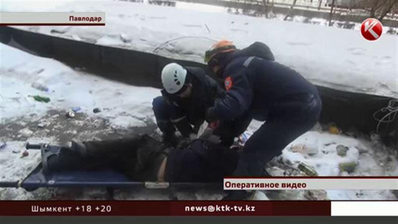 Житель Павлодара упал с высоты пятого этажа и выжил