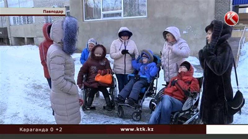Павлодарские инвалиды не хотят ездить на опасном такси