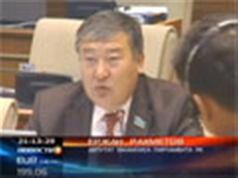 Казахстанских чиновников, возможно, проверят на жадность